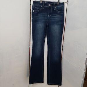YMI **  Betta Butt juniors midrise jeans
